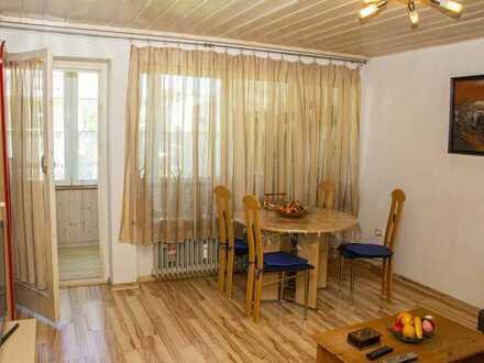 Schongau: Möblierte 2-Zimmer-Wohnung mit verglastem Balkon!