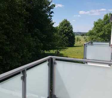 Helle 2-Zimmer-Wohnung mit Balkon in Köln-Weiden