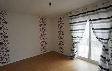 Gemütliche Einliegerwohnung mit Küche & Balkon im Zweifamilienhaus