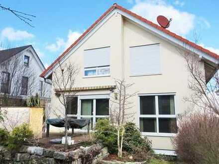 Modernes Einfamilienhaus in absolut ruhiger Wohnlage!