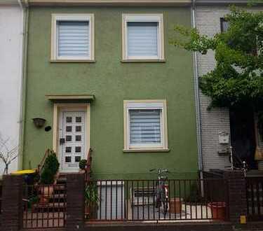 Schönes Reihenhaus in ruhiger Wohnlage mit sechs Zimmern in Bremen, Neuenland