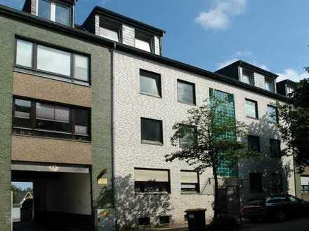 Ruhige 4-Zimmer-Wohnung mit Loggia / Wintergarten im dritten Obergeschoss/DG in Ratingen-Mitte!