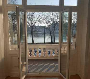 Haus im Haus! Großzügige 6 Zimmer Wohnung mit Blick auf das Benrather Schloss