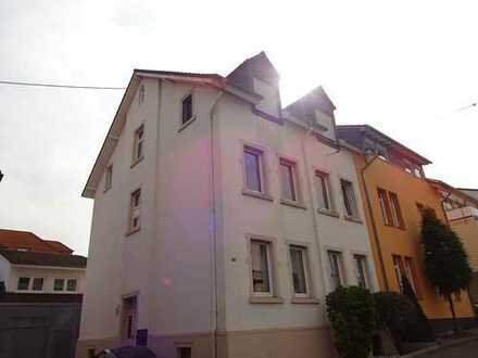 Erst lesen !! Süsse Maisonette-Wohnung möbliert in der Innenstadt von Bad Kreuznach mit Einbauküche