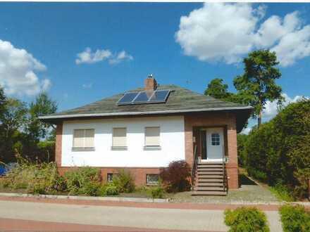 freistehendes Einfamilienhaus mit großem Grundstück zu verkaufen!