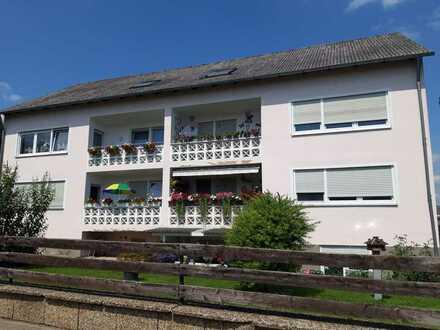 Freundliche 3-Raum-Dachgeschosswohnung in Lappersdorf