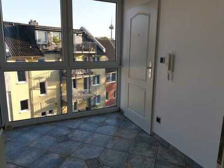 Schöne, geräumige drei Zimmer Maisonette-Wohnung im angesagten Veedel Köln Nippes