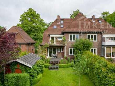 Klassischer Sanierter Rotklinker Doppelhaushälfte in Klein-Borstel