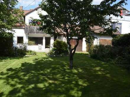 4 Zimmer EG Wohnung in ZFH mit großem Garten