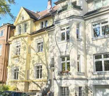 Wunderschöne Altbauwohnung mit zwei Zimmern, Wintergarten und Balkon in Dortmund