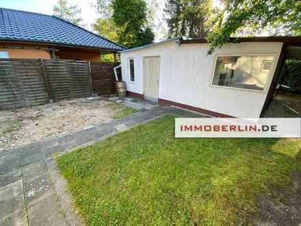 IMMOBERLIN: Geschmackvoll modernisiertes Haus in idyllischer Lage