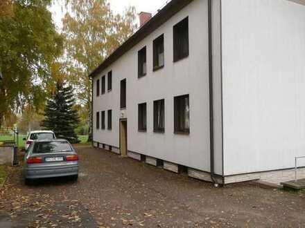 Dreiraumwohnung mit Garage