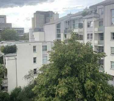 Attraktive und ruhige 2-Zimmer-Dachterrassenwohnung mit separter Küche in BOGENHAUSEN/ARABELLAPARK