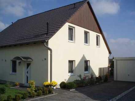 Großzügige Doppelhaushälfte (fünf Zimmer) im Landkreis Leipzig