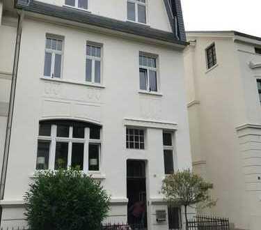 2 Zimmerwohnung in Gründerzeithaus Bonner Südstadt mit Balkon