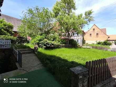Preiswerte, sanierte 3-Zimmer-EG-Wohnung mit Balkon und EBK in Blaufelden, Herrentierbach