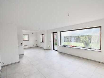 Erstbezug nach Sanierung: freundliche 4-Zimmer-Erdgeschosswohnung mit Garten in Hooksiel