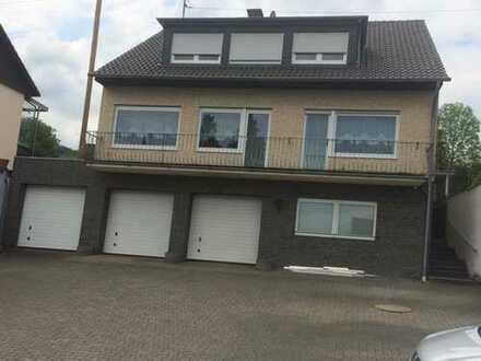 5-Zimmer-EG-Wohnung mit Terrasse und großem Garten in Bornheim-Roisdorf