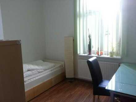 Suche Mitbewohner/in für 3 Raum Wohnung 78m² Sehr schöne Wohnung