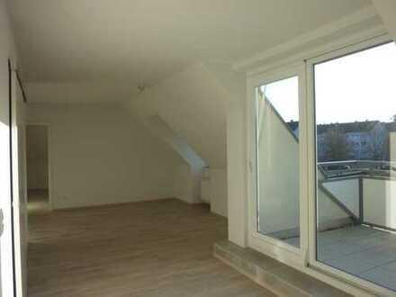Moderne und komplett sanierte Dachstudiowohnung in bevorzugter Lage