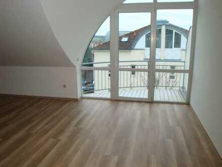 Außergewöhnliche Dachwohnung mit toller Aussicht!