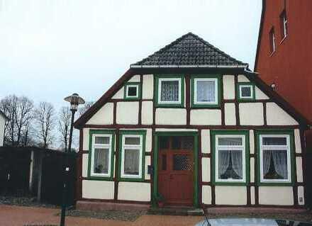 EFH mit 654 m² Grdst. und 2 Garagen im Stadtkern von Grevesmühlen zu verkaufen !