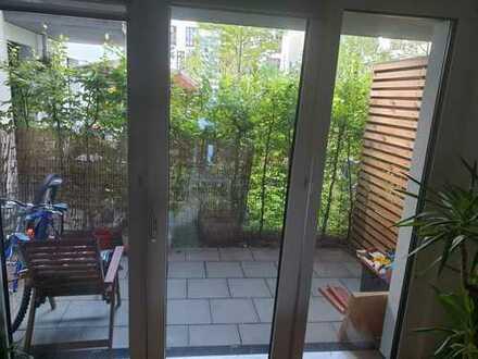 Stilvolle 3,5-Zimmer-EG-Wohnung mit Balkon und EBK in Schwanthalerhöhe, München