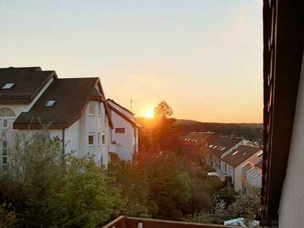 Erstbezug nach Renovierung: Schöne 2-Zimmer-DG-Wohnung mit Balkon in Stuttgart-Sillenbuch