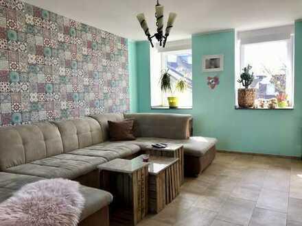Offene 3-Zimmer Maisonette-Wohnung in zentraler Lage von Krefeld Hüls. Kapitalanleger aufgepasst !