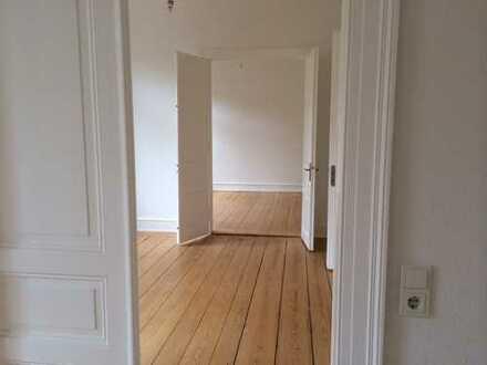 ERSTBEZUG nach stilgerechter Sanierung! Traumhafte 4-ZKB Altbau Wohnung in ruhiger Innenstadtlage