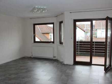 Gepflegte 3-Zimmer-Etagenwohnung mit Balkon und Einbauküche in Kelkheim (Taunus)
