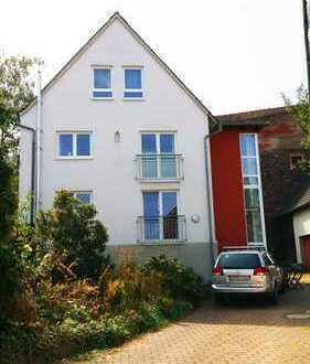 2,5-Zimmer-Hochparterre-Altbau-Wohnung mit Terrasse und EBK in Alzenau