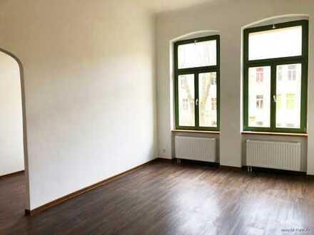 Sie lieben großzügige Altbauwohnungen? Kernsanierte 4-Zimmer Wohnung!