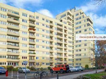 IMMOBERLIN: Angenehme Wohnung mit Loggia in familienfreundlicher Lage