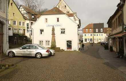 Büro-/ Praxisfläche und Wohnung inmitten der Altstadt