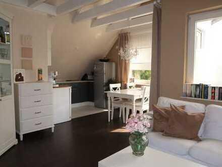 Exklusive, gepflegte 2,5-Zimmer-Dachgeschosswohnung mit Balkon und EBK in Filderstadt Bonlanden