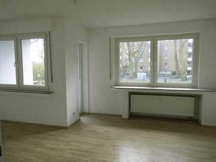 TOP 3,5 Raum EG-Wohnung in ruhiger Lage!! Stadtnah! Balkon und Gäste-WC!