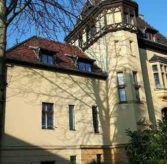 Schöne sieben Zimmer Wohnung in Wannseevilla