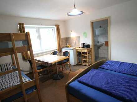 Möblierte 1- Zimmer Ferienwohnung/ Appartement am Ortsrand von Glems