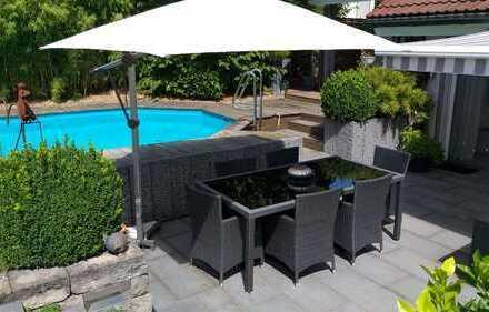 Freistehendes Einfamilienhaus mit Pool Rutesheim Offene Split Level Bauweise