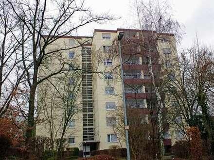 Modernisierte 2-Zimmer-Wohnung mit Pkw-Stellplatz