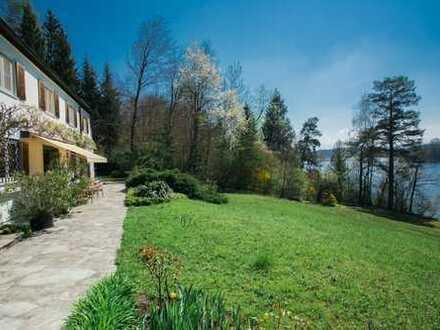 Einzigartiges Anwesen im Landschaftsschutzgebiet direkt am Abtsdorfer See vor den Toren Salzburgs