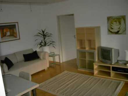Möblierte gepflegte 2-Zimmer-Wohnung mit Balkon in zentraler Lage in Bonn