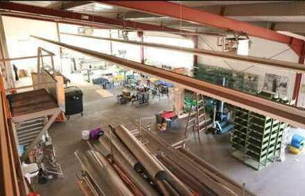 ca. 725 qm Hallenfläche mit 150 qm Büro zu vermieten