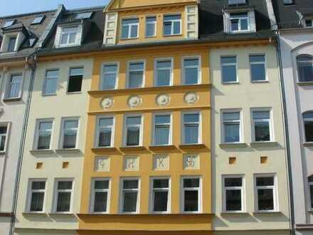 Plauen-Diesterwegstr: helle3 Zi mit Balkon und Einbauküche in guter Lage