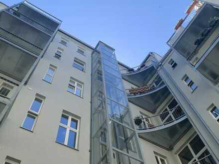 Erdgeschoss-Altbauwohnung mit 5 Zimmern im Charlottenburger Kiez