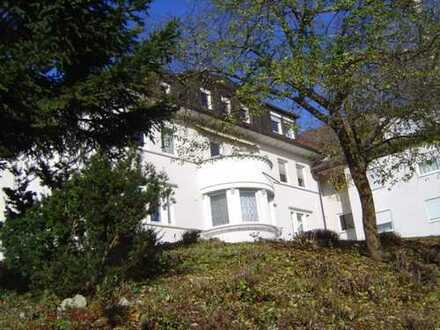 Beeindruckende 3,5-Zimmer-Wohnung in ehemaliger Villa in Heidenheim von privat zu verkaufen.