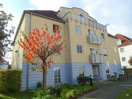 Ab April/Mai 2019: Ruhige 2-Zimmer-Wohnung mit 2 Balkonen, Laminatboden, Bad mit Fenster/Badewanne