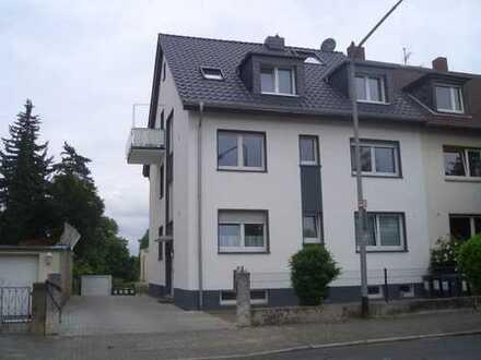 Schöne helle 3-Zimmer Wohnung im Hochpaterre mit Balkon
