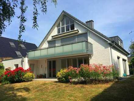 Seltenheit: große Wohnung mit Süd-Balkon und separatem Studio in KR-Verberg. Ruhe garantiert!